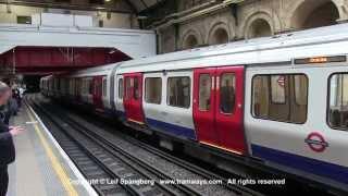 London Underground trains at Paddington station, Circle and District