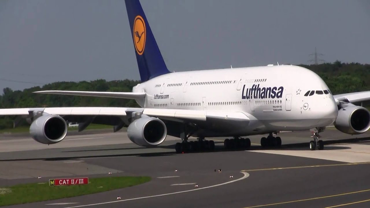 lufthansa airbus a380 800 landing dusseldorf airport d aima hd youtube. Black Bedroom Furniture Sets. Home Design Ideas
