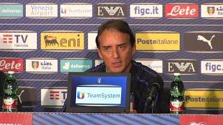 Nazionale, Mancini: ''Sarà difficile lasciare qualcuno a casa. Servirà chiudersi in conclave''