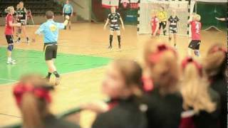 Titans Berlin Cheerleader Juniors B-Roll HD 1080p
