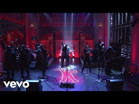 dangelo-the-vanguard-the-charade-live-on-snl