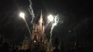 Holiday wishes fireworks, magic kingdom, disney. fuegos artificiales en kingdom.