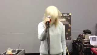 Ellie Goulding - Lights - Live with Dubstep Outro