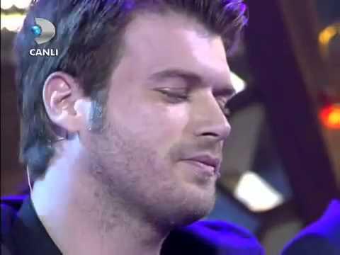 Yılmaz Erdoğan - Kıvanç Tatlıtuğ - Tabib Sen Elleme Benim Yaramı  Beyaz Show 2013