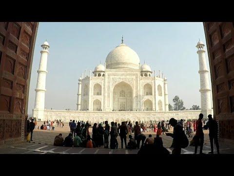 Taj Mahal - World Wonder  Traveling India