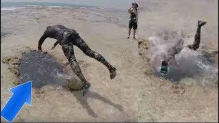 Hombre se zambulle en un agujero en la playa, descubre un mundo inimaginable