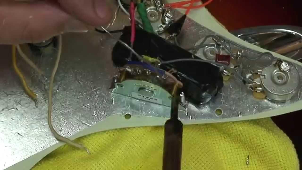 replacing a broken 5 way fender strat switch [ 1280 x 720 Pixel ]