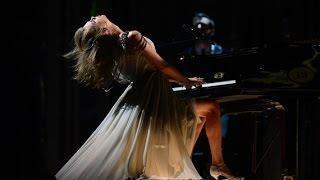 Repeat youtube video 【LIVE 現場版】All Too Well 愛太清晰 /. Taylor Swift 泰勒絲  中文字幕