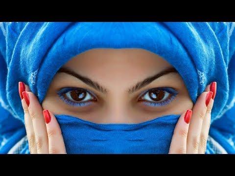 Смотреть Не упадите! Как выглядят жены арабских шейхов под паранджой онлайн