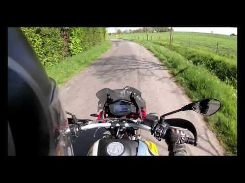 Moto Guzzi V85 TT A2 en duo (voir description pour le ressenti)