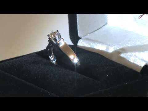 Классическое золотое кольцо с одним бриллиантом SI1/G 0.40 Ctw