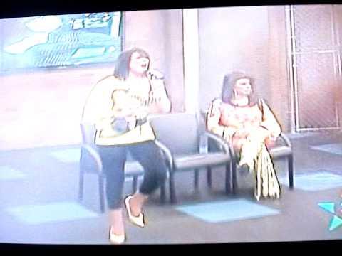 Imitacion de Yuridia en programa de television en Los Angeles.