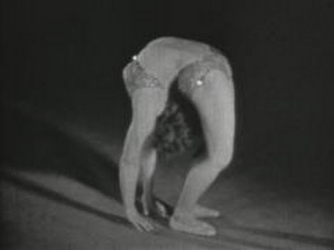 Four female acrobats (1934)