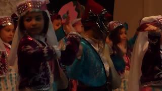 Çocuklardan Halay (Halay, an Amazing Folk Dance from School Kids)
