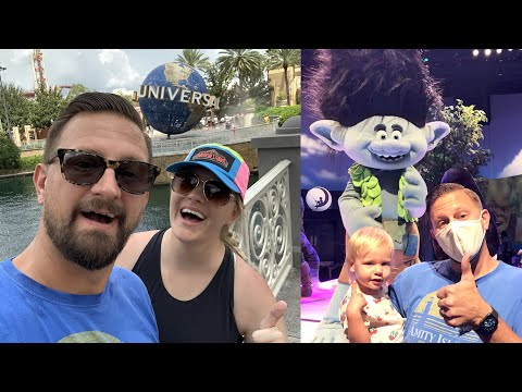 A Fun, Rainy Day At Universal Studios! | Quick Update, New Snacks, Baby Dance Party & More Fun!