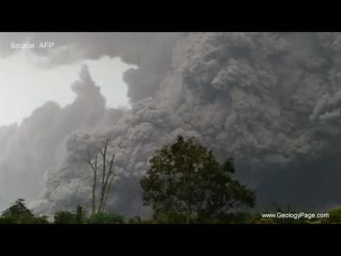Massive ashes after deadly Indonesia volcano eruption, May 2016
