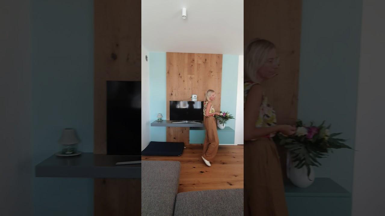 Rivestimento Casa In Legno rivestimento di parete in legno in una casa a schio (vicenza)