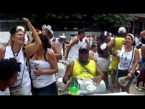 Grupo Derê  com grupo Bem Bolado no Cordão do Bola Preta 2014