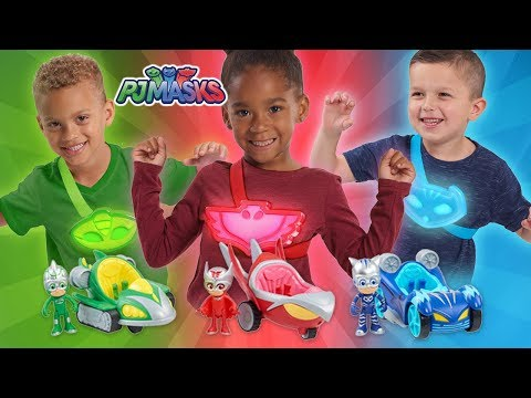 KIDS CAN ROLE-PLAY WITH THESE NEW PJ MASKS TOYS FROM JUST PLAY! | A Toy Insider Play by Play
