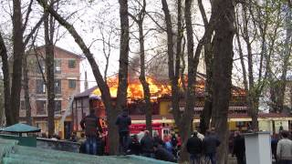 Пожар в кафе Цукерня (начало)(Начальный этап пожара в кафе Цукерня, г. Хмельницкий 17.04.2015., 2015-04-17T12:18:39.000Z)