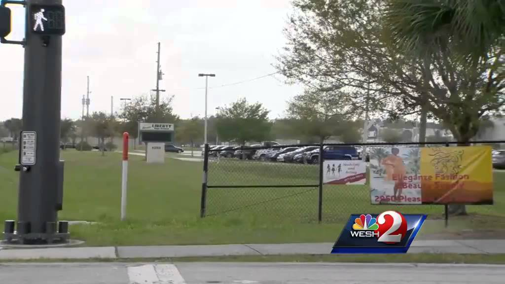 Kissimmee charter school set to close before graduation - YouTube