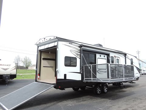 Awesome New Floorplan 37' 2017 Torque T32 1-Slide Side Patio Toy Hauler!!