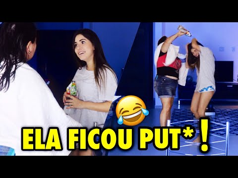 TROLLEI MINHA MÃE COLOCANDO VINAGRE NO CABELO DELA!