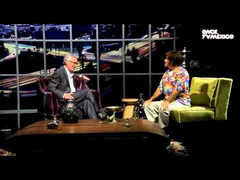 Solórzano 3.0 - Haz el humor y no la guerra (Natalia Lafourcade)