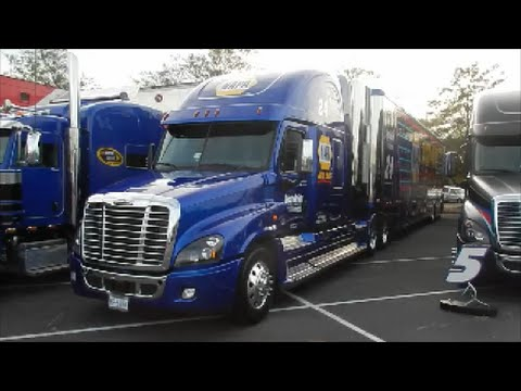 2016 Darlington Car Hauler Parade
