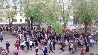 ПАРАД 9 МАЯ КРИВОЙ РОГ(К счастью еще что-то осталось от парада к празднику ПОБЕДЫ в Кривбассе на 44 квартале!, 2015-05-09T07:24:42.000Z)
