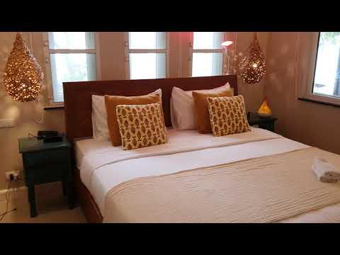 AJ เสม็ด วิลล่า รีสอร์ต (Samed Villa Resort)
