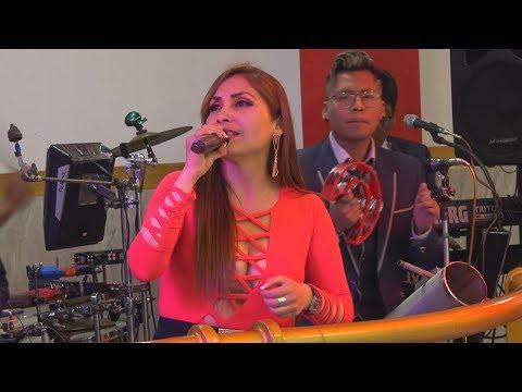 VIDEO: A FLOR DE CUMBIA - Lejano Amor (de Los Embajadores Criollos) ¡En VIVO! - WWW.VIENDOESLACOSA.COM