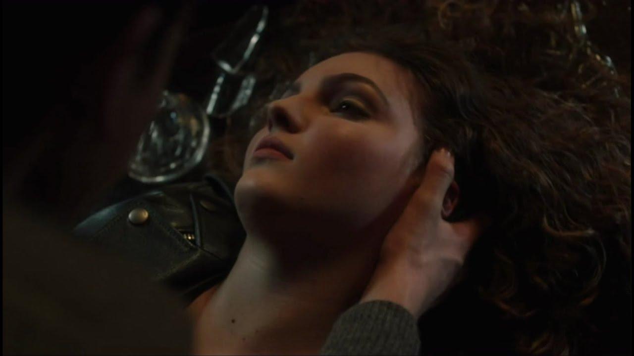 Download Gotham 4x21   Bruce and Selina Kissing Scene & Jeremiah Kills Selina