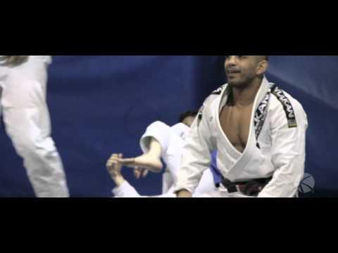 Mississauga Brazilian Jiu Jitsu - KOMBAT Professor Amir Yafawi