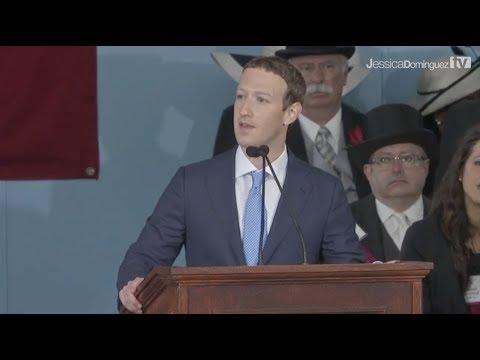 Mark Zuckerberg habla de un joven indocumentado durante su dis...