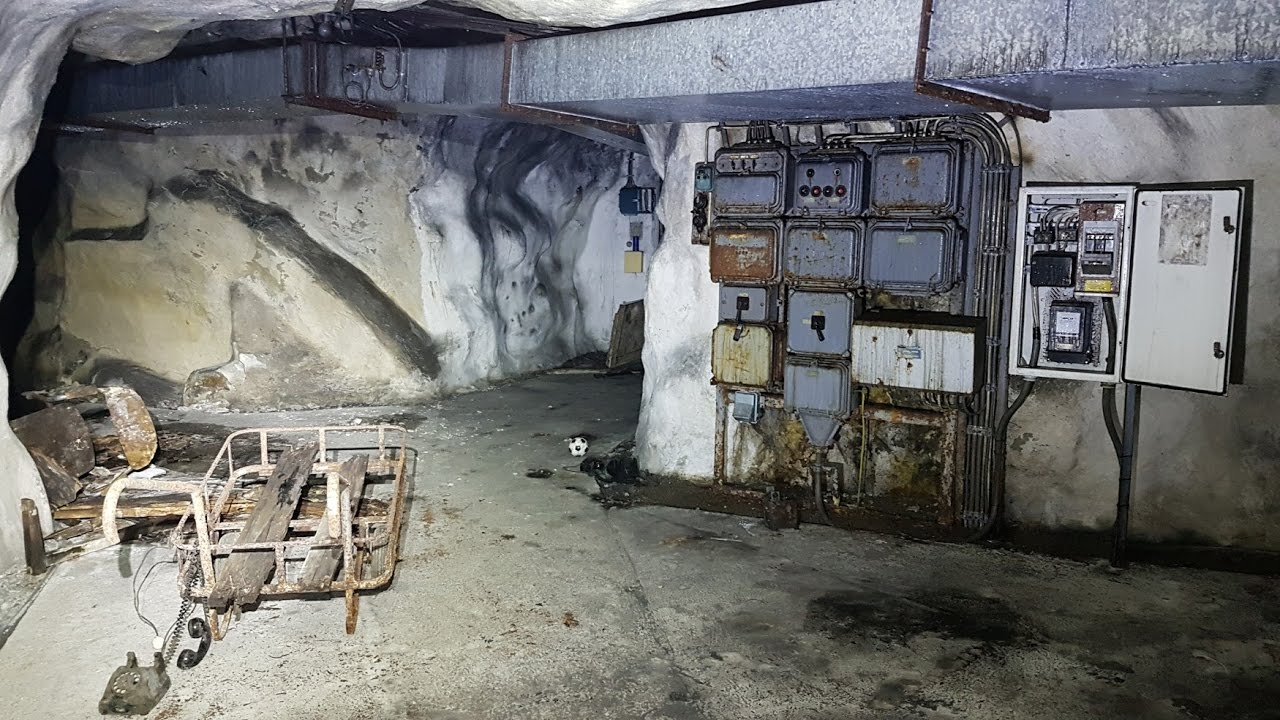 Exploring An Old Abandoned Bunker In Norway Youtube