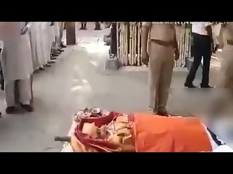 Sridevi Final Death Rituals at Cemetery - Amitabh Bachchan and Shah Rukh Khan also present