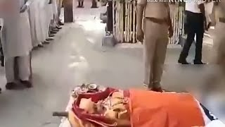 Sridevi Final Death Rituals at Cemetery - Amitabh Bachchan and Shah Rukh Khan also present