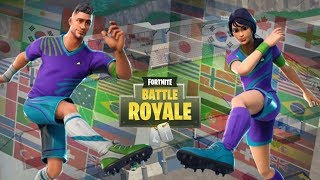 FORTNITE SUOMI LIVE! FOOTBALL SKINS IN THE SHOP! FREE SEASON 8 BATTLEPASS!