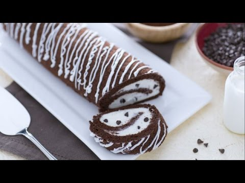 Chocolate Swiss roll with vanilla cream filling - recipe ...
