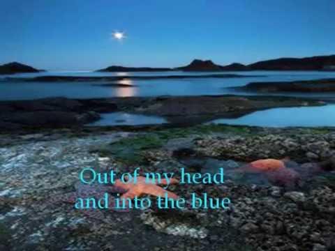 Клип Rooney - Into the Blue