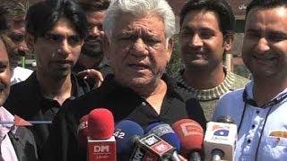 Dunya News-Om Puri returns to India after Pakistan trip