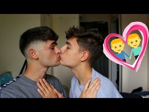 Gay sex sceneKaynak: YouTube · Süre: 1 dakika36 saniye