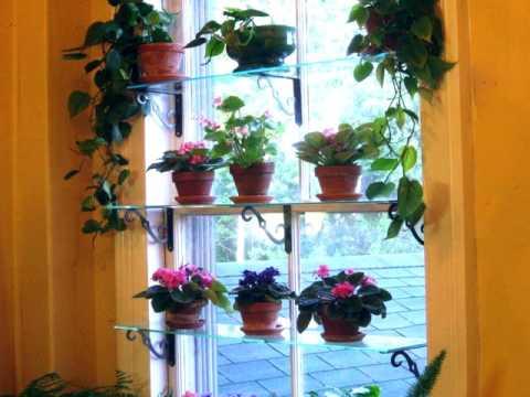 Оконные полки для цветов на окне, стеллаж, этажерка.