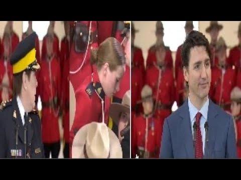 شرطة الخيالة الكندية الملكية تتساقط أثناء خطاب لترودو