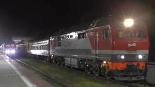 Отправление тепловоза ТЭП70БС-224 с поездом №259 Анапа — Санкт-Петербург
