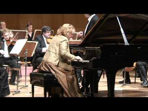 Gülsin Onay - Mozart Piano Concerto K414 (1st mvt)