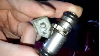 Причина троения двигателя - сломанная топливная форсунка