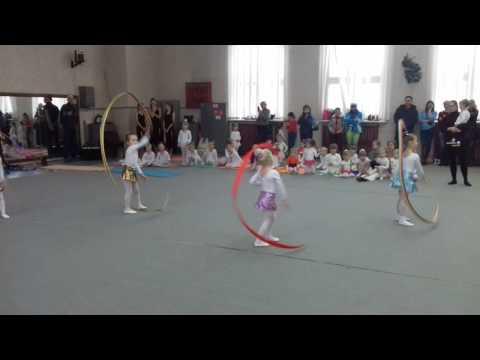 Художественная гимнастика с лентами дети 5 лет