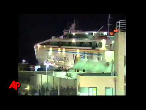 Raw Video: Evacuees From Libya Reach Malta
